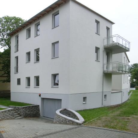 Referenz: Berlin-Schmöckwitz &quot;Seeresidenz&quot;<br />2012&nbsp;-&nbsp;Neubau Stadtvilla<br />Areal ca. 3000&nbsp;m² • Wohnfläche ca. 366&nbsp;m²