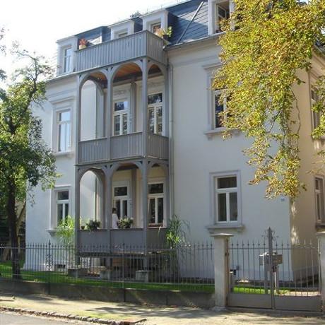Referenz: Dresden-Blasewitz<br />1999-Sanierung Wohnhaus Jugendstil<br />Areal ca. 710m² • Wohnfläche ca. 354m²